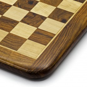 Scacchiera intarsiata in legno di palissandro e acero