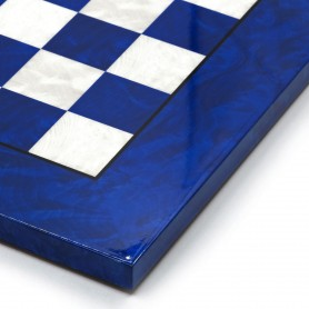 Scacchiera intarsiata in radica di olmo bianco/avorio e blu