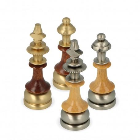 Scacchi in metallo ottone e legno carpine modello staunton stilizzato fatti a mano