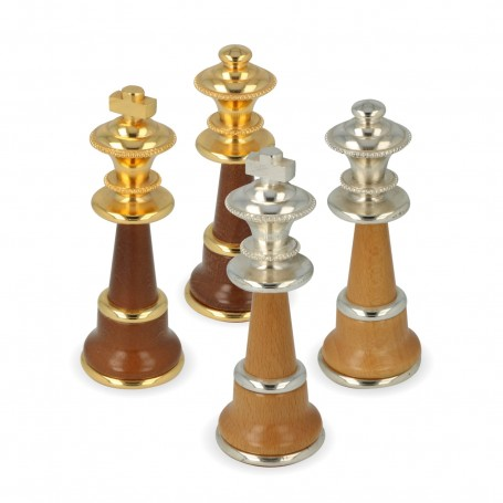 Scacchi in ottone e legno realizzati artigianalmente e assemblati a mano con bagno oro e argento