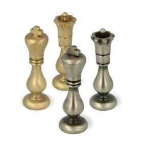 Scacchi classici modello Staunton in metallo ottone pieno tornito e rifiniti a mano
