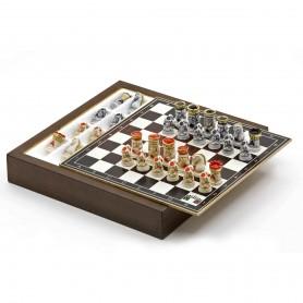 Chess Set completo di Scacchi La Pokerina in Alabastro e resina dipinti a mano e Box contenitore in legno